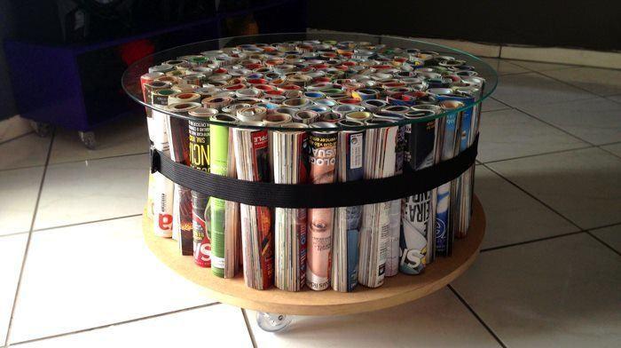 mesa de centro feita com revistas usadas sustentabilidade