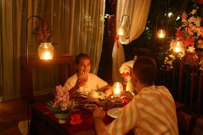 Como preparar um jantar rom ntico de ltima hora - Preparar algo romantico en casa ...
