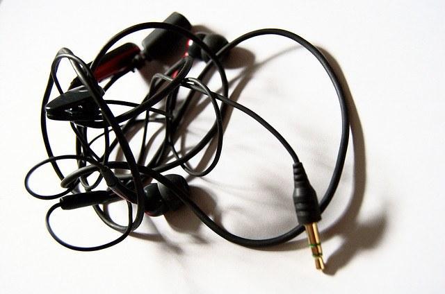spooled-wound-for-sound-o-organizador-de-fios-organizador-de-fones-de-ouvido-como-organizar-fones-de-ouvido-por-que-nao-pensei-nisso-5