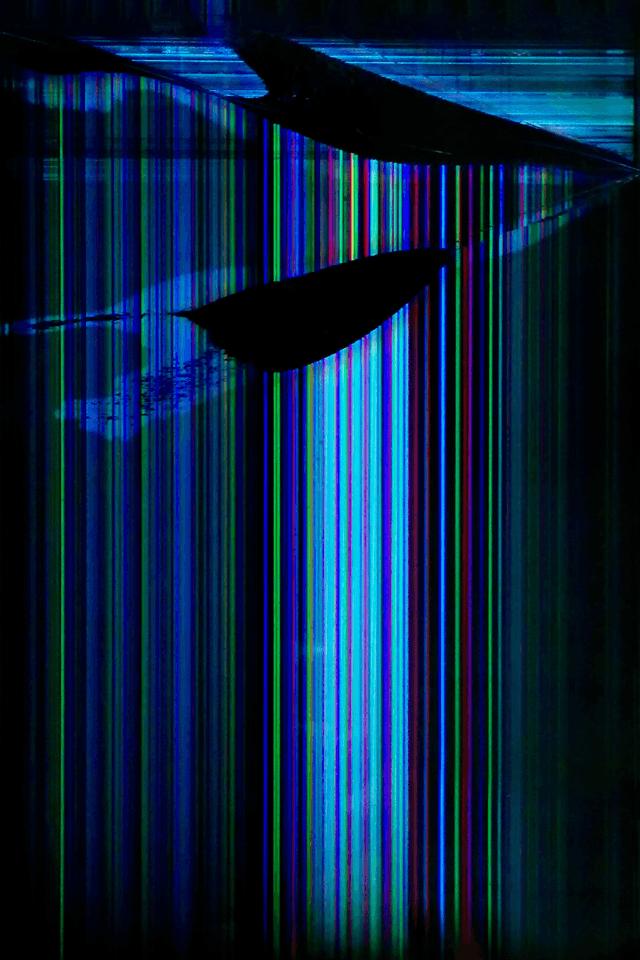Glitched-960-x-640-iphone4