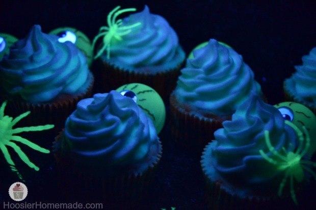 cupcake_glow_halloween_sos_solteiros