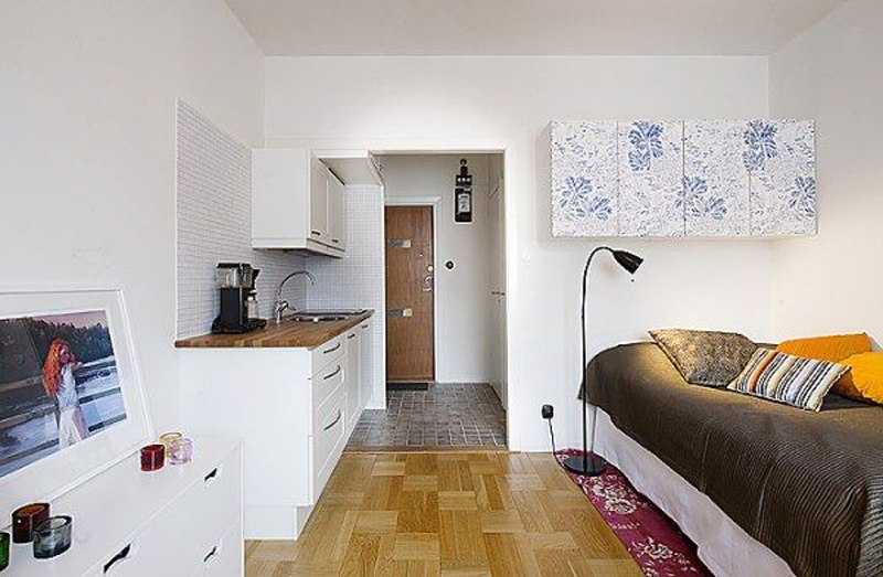 One-corner-in-the-room-that-looks-clean-and-elegant