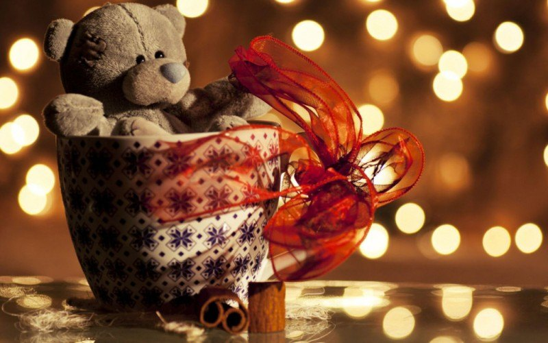 Valentines-Teddy-Bear-Wallpaper-1024x640