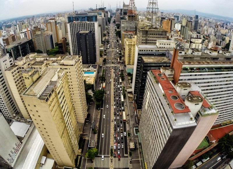 Fotos Públicas, http://fotospublicas.com/vista-aerea-avenida-paulista-em-sao-paulo/