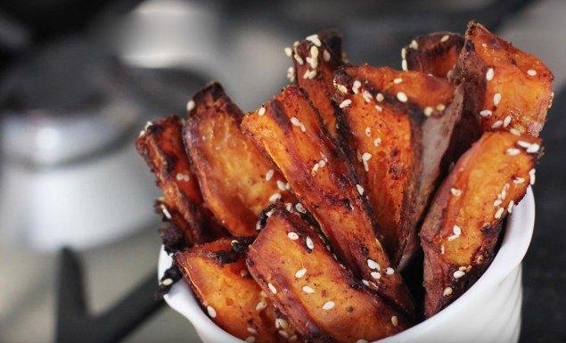 batata doce frita assada