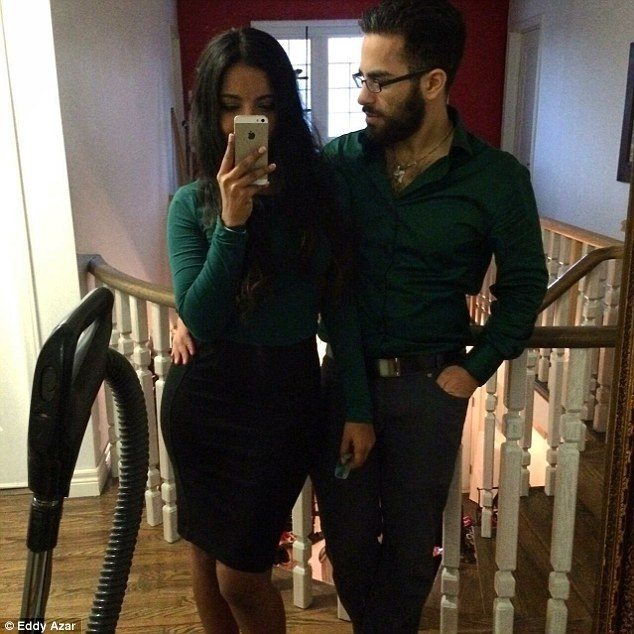 Daily Mail, http://www.dailymail.co.uk/femail/article-3449444/Husband-struggled-pick-women-Tinder-asks-WIFE-profile-s-inundated-offers.html
