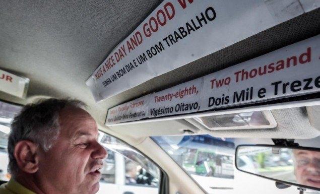 osvaldo-dos-santos-e-taxista-ha-16-anos-e-ha-tres-anos-treina-ingles-com-os-passageiros-1363988800220_956x500