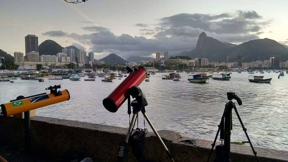 Carlos Ayres| Clube de Astronomia do RJ, https://www.facebook.com/154153251332557/photos/a.847466802001195.1073741849.154153251332557/847468082001067/?type=3&theater