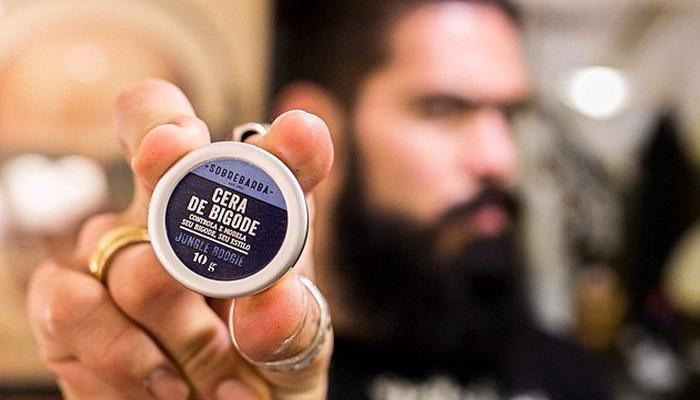 Universo retrô, http://universoretro.com.br/sobrebarba-primeira-marca-brasileira-de-produtos-para-quem-tem-barba-chega-ao-mercado/