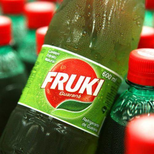Elástica Abril: http://elastica.abril.com.br/11-marcas-de-refrigerantes-nacionais-muito-loucas-que-tem-gosto-de-infancia