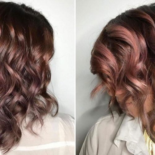 http://www.marieclaire.com.mx/moda-y-belleza/news/16/10/14/chocolate-mauve-pelo-rosa-instagram-belleza/