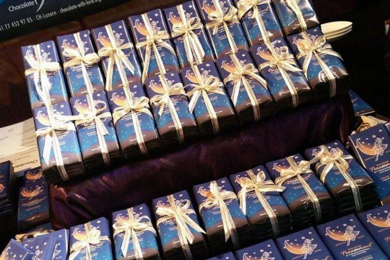 EoH, http://eoh.com.br/suico-criou-um-chocolate-que-promete-ajudar-a-combater-a-colica/