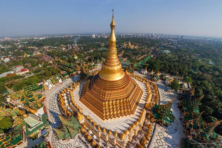 Epoch Times, https://www.epochtimes.com.br/pagode-shwedagon-lugar-que-nasceu-de-um-fio-de-cabelo-buda/#.WE6jY_ArJPY