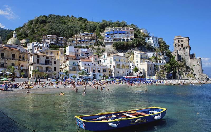 Positano, http://www.positano.com/pt/e/as-praias-da-costa-amalfitana