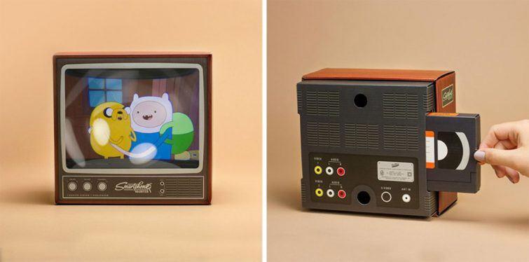 Bored Panda, http://www.boredpanda.com/retro-tv-smartphone-magnifier-firebox/