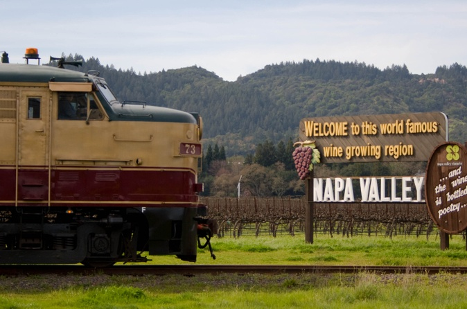 Viator, https://br.viator.com/pt/8328/Napa-and-Sonoma-attractions/Napa-Valley-Wine-Train/d914-a11922