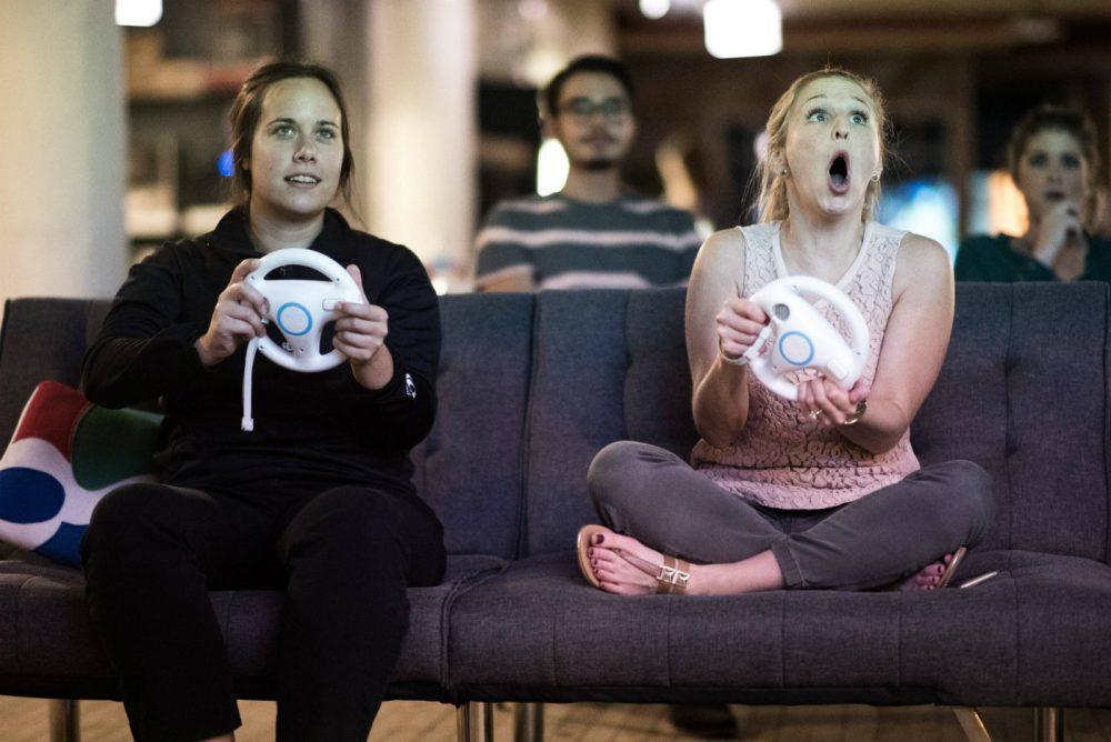 Reddit, https://www.reddit.com/r/photoshopbattles/comments/58bpcq/psbattle_woman_playing_mario_kart/
