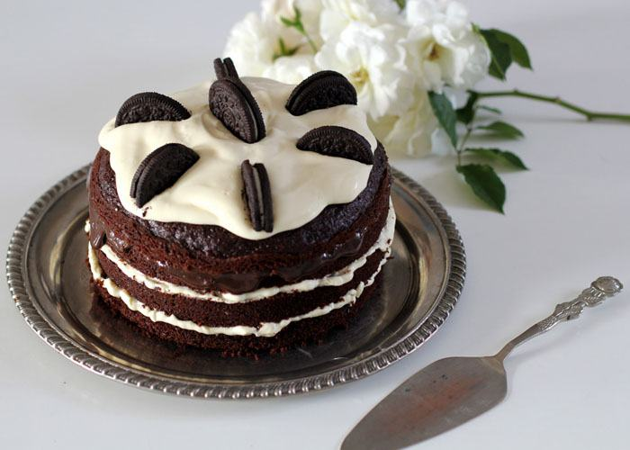 Moda Custom, http://modacustom.com.br/2016/01/10/kitchen-custom-naked-cake-oreo/
