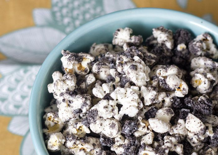Erika's Sweet Tooth, http://www.ericasweettooth.com/2012/05/cookies-and-cream-popcorn.html