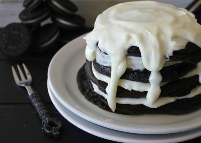 Oh bite it, http://www.ohbiteit.com/2013/08/double-stuff-oreo-pancakes.html
