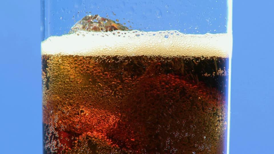 Framepool, http://footage.framepool.com/en/shot/990061378-coke-cooling-drink-sparkling-drink-ice-cube