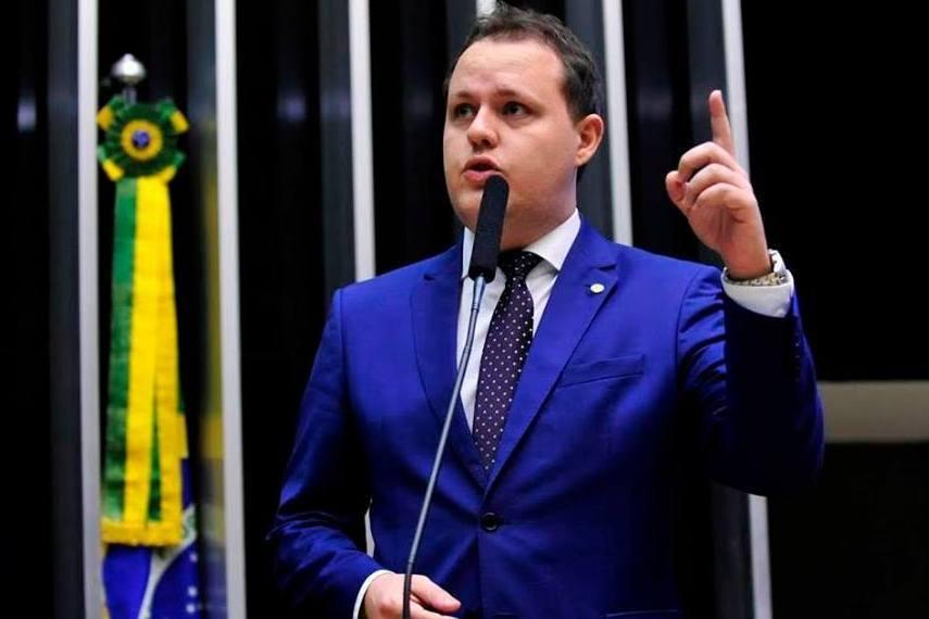 OAB RS, http://www.oabrs.org.br/noticias/conheca-os-deputados-federais-favoraveis-ao-exame-ordem/18304