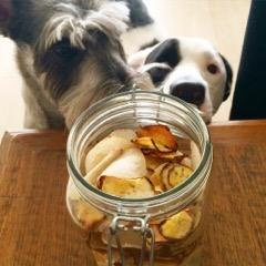 Cãolinária, http://caolinaria.com.br/chips-de-batata-doce-e-inhame/