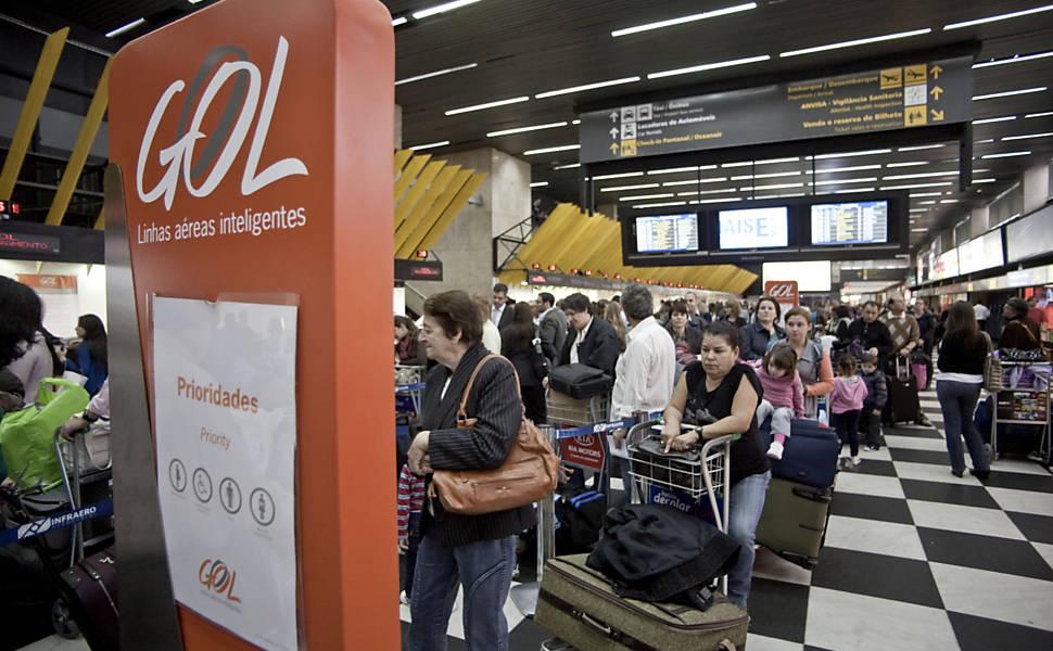 Folha, http://fotografia.folha.uol.com.br/galerias/536-atrasos-nos-voos-da-gol