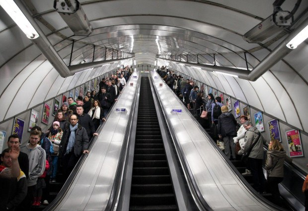 Metro, http://metro.co.uk/2016/04/18/chaos-as-passengers-are-told-to-stand-on-the-right-and-left-at-holborn-tube-station-5823640/