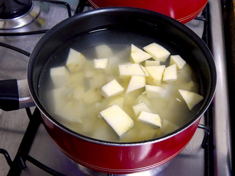 Na Cozinha Sozinho, http://www.nacozinhasozinho.com.br/2014/09/18/batata-doce-a-mineira/