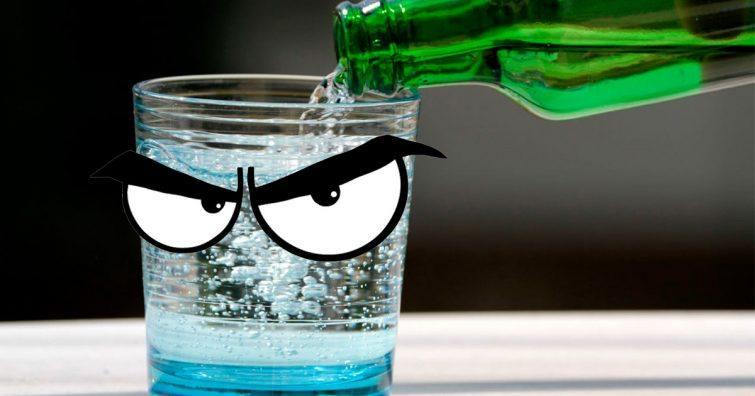agua com gas vila faz mal