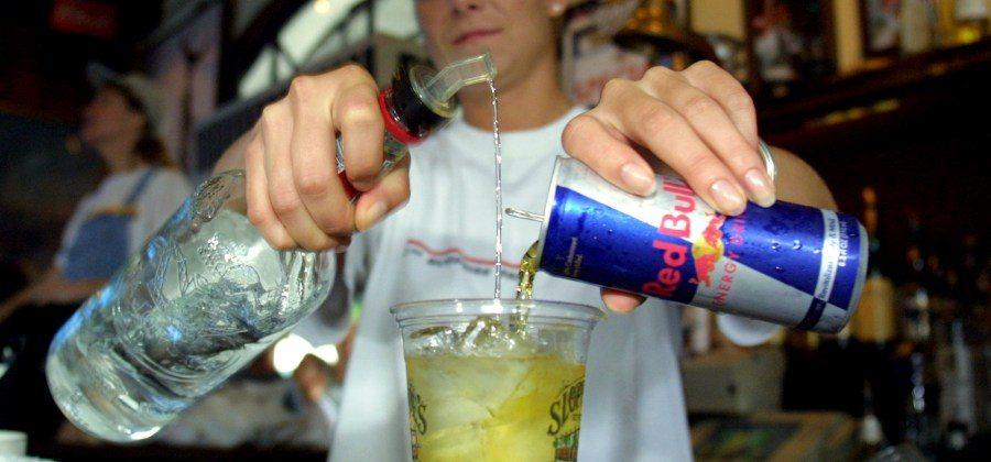 Fatos Desconhecidos, https://www.fatosdesconhecidos.com.br/o-que-acontece-quando-alguem-mistura-energetico-e-alcool/