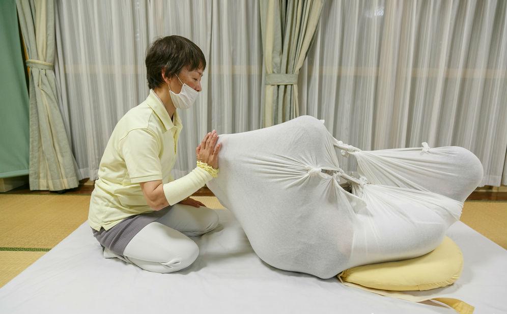 Coisas do Japão, https://www.coisasdojapao.com/2017/07/tecnica-otonamaki-ajuda-relaxar-e-curar-dores-no-japao/