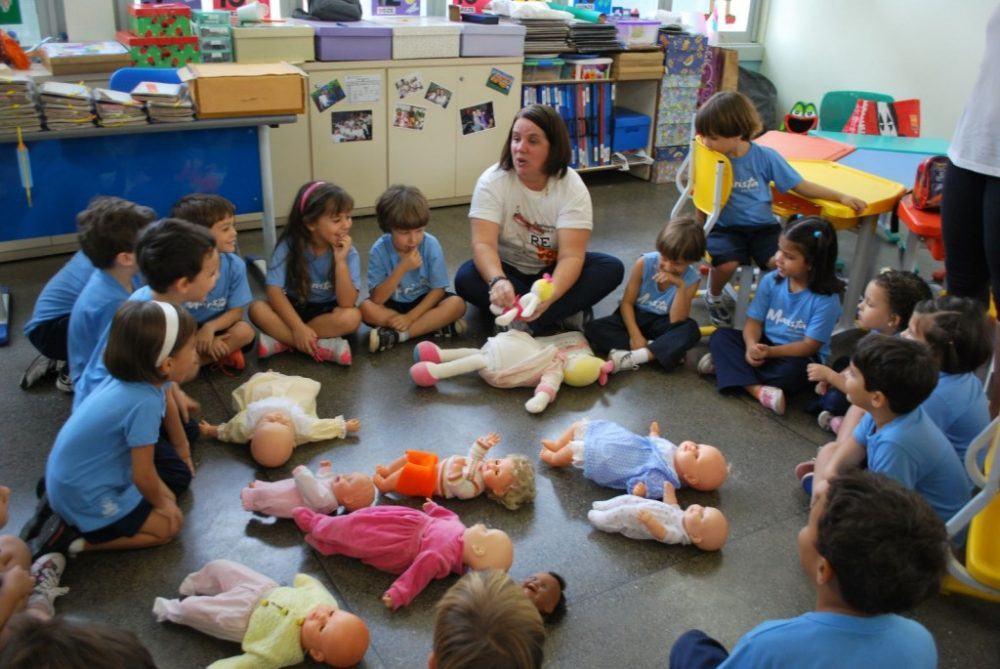 Educação Pública, http://educacaopublica.cederj.edu.br/revista/artigos/sexualidade-infantil-uma-releitura-no-cotidiano-escolar