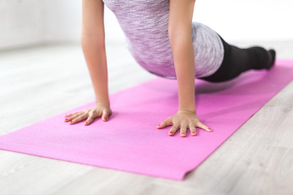 Pexels, https://www.pexels.com/photo/balance-body-exercise-female-374101/